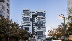 22 Haganim st. Ramat Ha'sharon  / Bar Orian Architects