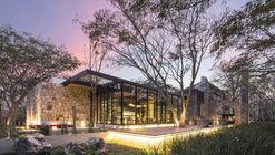 Restaurante Ixi'im  / Jorge Bolio Arquitectura + Lavalle + Peniche Arquitectos + Mauricio Gallegos Arquitectos + Central de Proyectos SCP