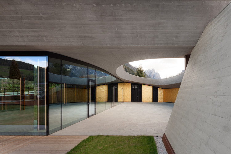 Showroom de Franz Kraler / Studio Marastoni Architetti e Ingegneri Associati, © Marco Zanta