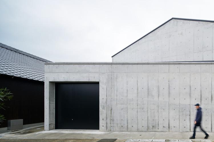 Una ampliación a una productora de sake / a-um, © Nacasa & Partners