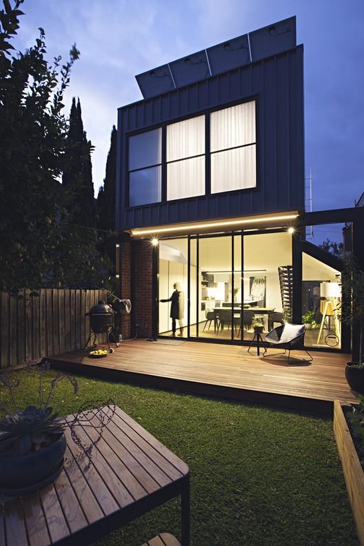 Casa Empoleirada / Rara Architecture, © Natalie Jeffcott
