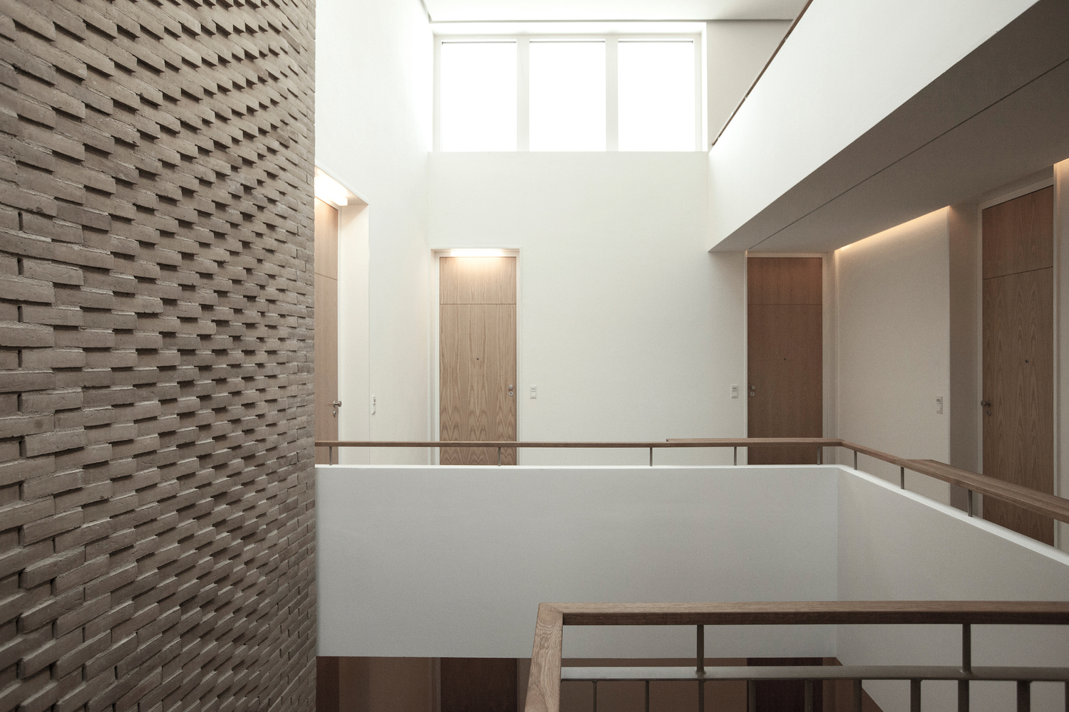 this handlaid brick feature wall was inspired by soundwaves in water 22quadrat