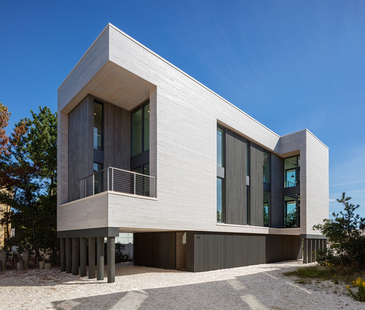 Beach Haven Residence / Specht Architects