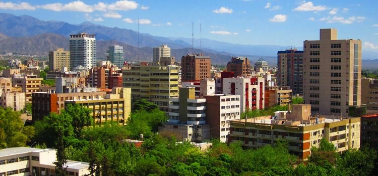Guía de arquitectura en Mendoza: 10 sitios que todo arquitecto debe conocer, vía Wikipedia User: Itsmemarttin Licensed Under CC BY-SA 3.0