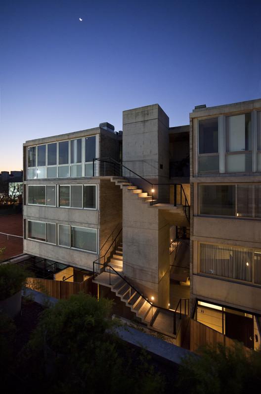 Edificio Virrey del Pino - 7 casas urbanas / R2b1 Estudio, © Andrés Negroni