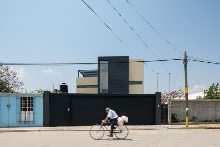 Casa Nacional 135 / Espacio 18 Arquitectura, © Lorena Darquea