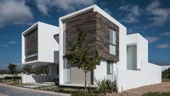 R+P House / ADI Arquitectura y Diseño Interior