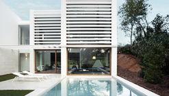 Showvila La Pineda / Jaime Prous Architects
