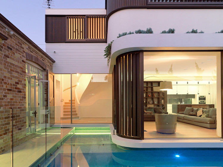 La casa de la piscina / Luigi Rosselli Architects, © Justin Alexander