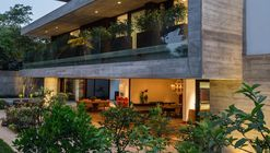 Residencia MO / Reinach Mendonça Arquitetos Associados