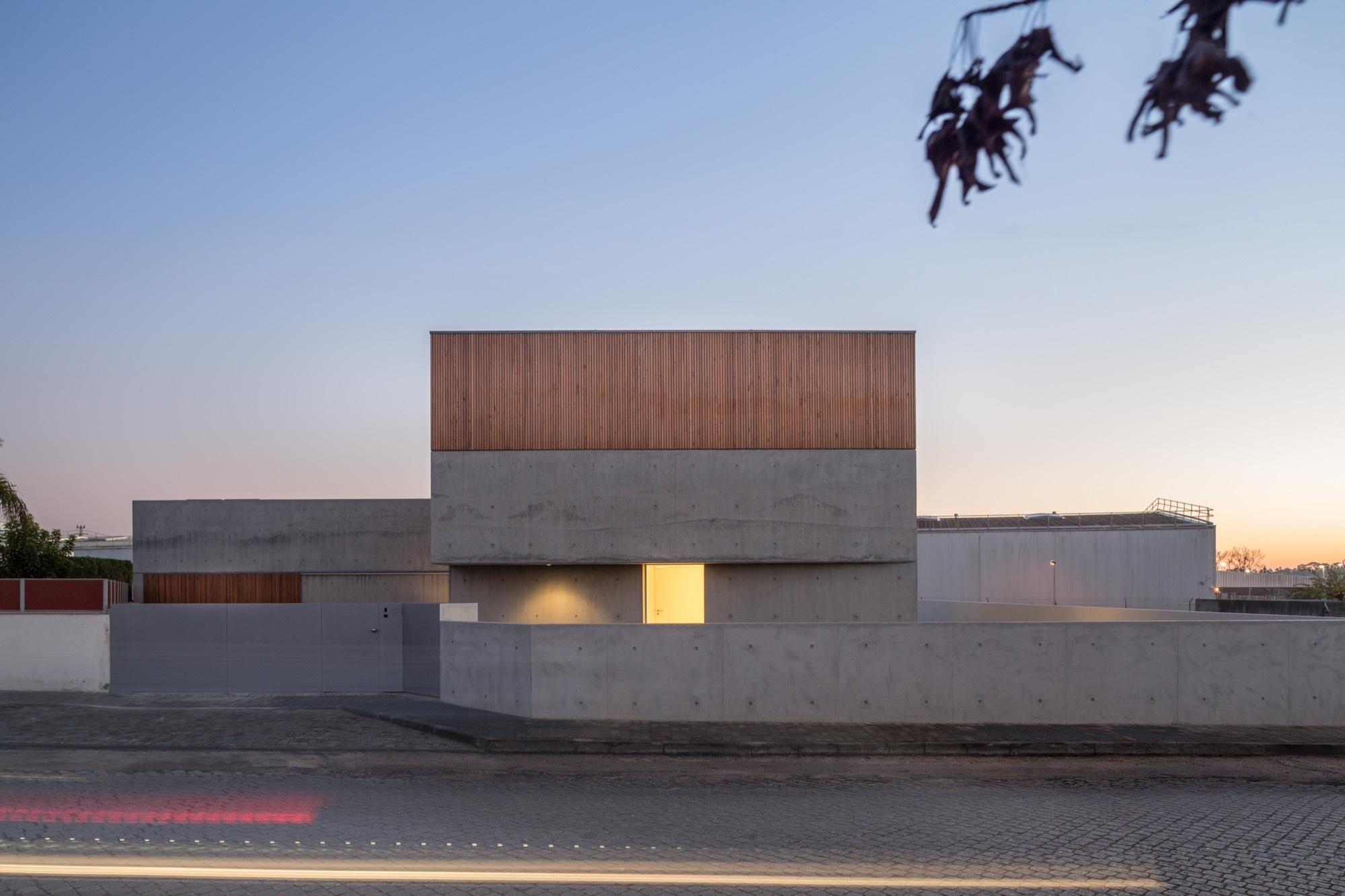 arquitectura minimalista casa en avanca unipessoal plataforma arquitectura