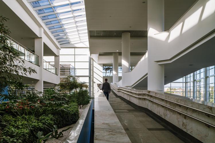 Rocio's Hospital / Manoel Coelho Arquitetura e Design, ©  Nelson Kon