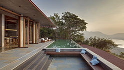 Retreat in the Sahyadris  / Khosla Associates