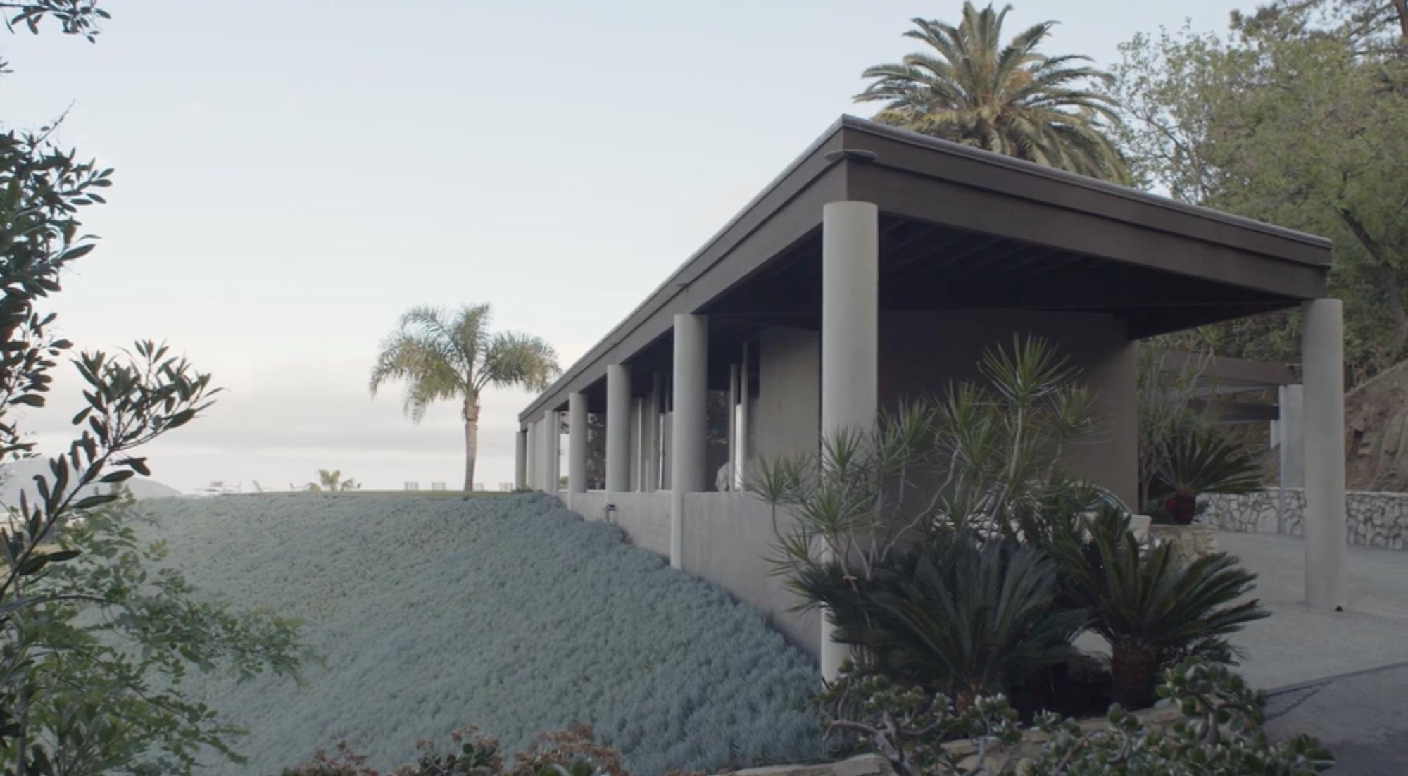 In Residence: Inside John Lautner's Quintessential ...