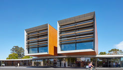 Frank Bartlett Memorial Library and Moe Service Centre / fjmt