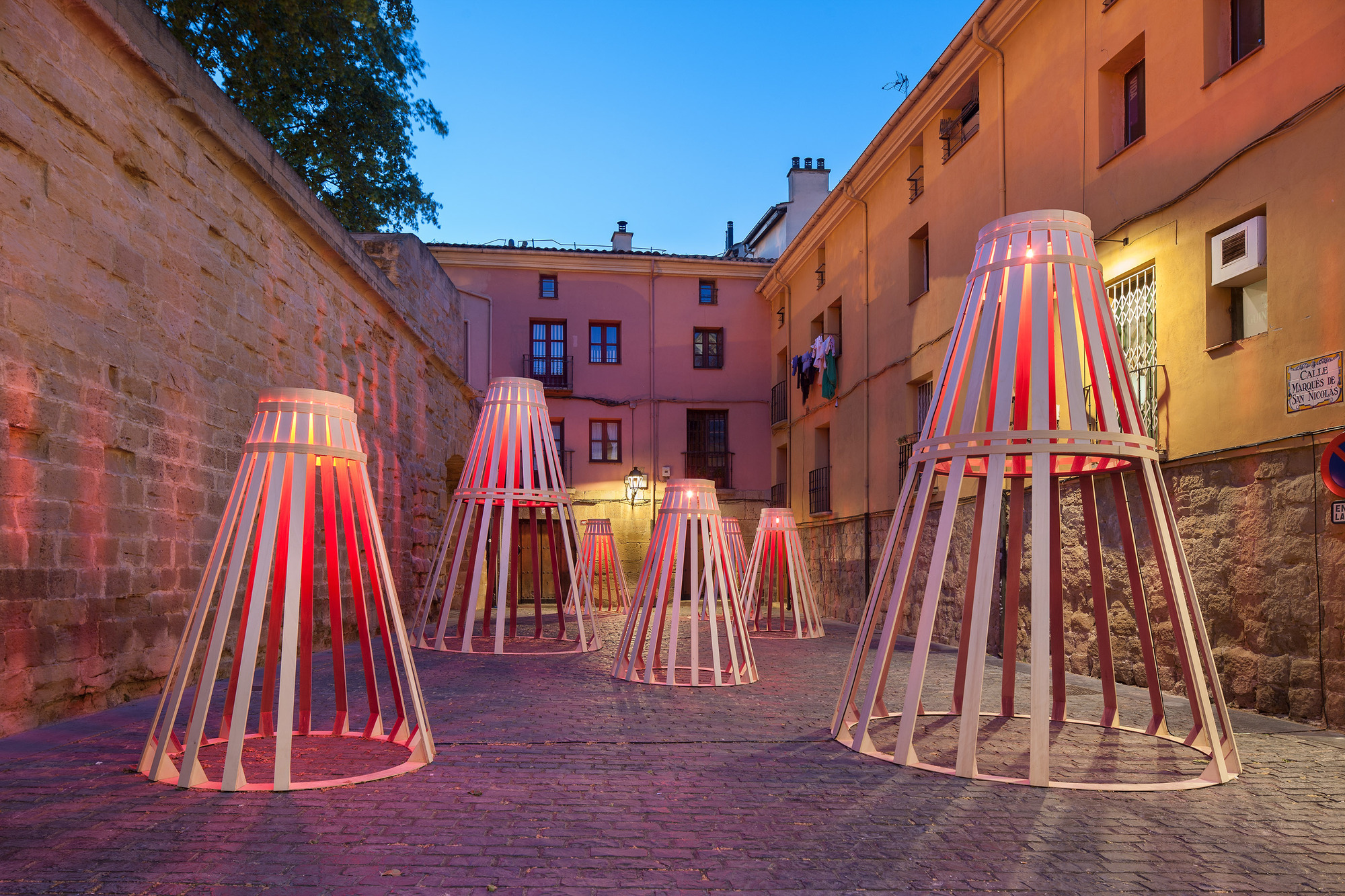 Wooden Installation in Logroño is a Tribute to Spanish Wine