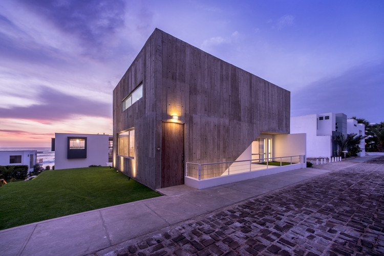 Casa Playa Escondida / SOMA Lima, © Renzo Rebagliati