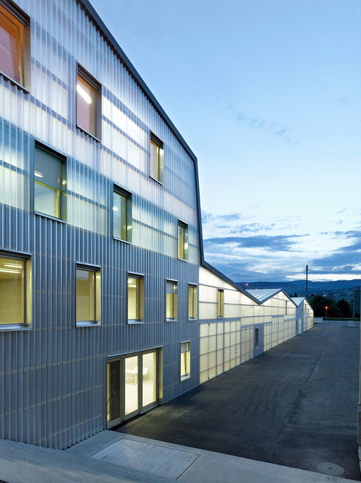 Multifunctional Building and Infrastructure / bunq architectes, © Thomas Jantscher