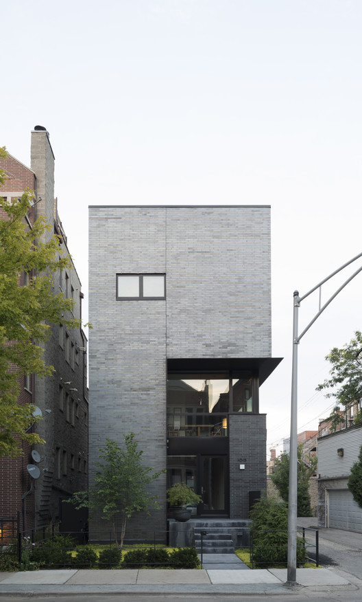 Cut Triplex Townhouse  / SPACECUTTER, © Michael Vahrenwald / ESTO