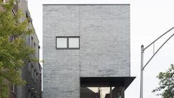 Cut Triplex Townhouse  / SPACECUTTER