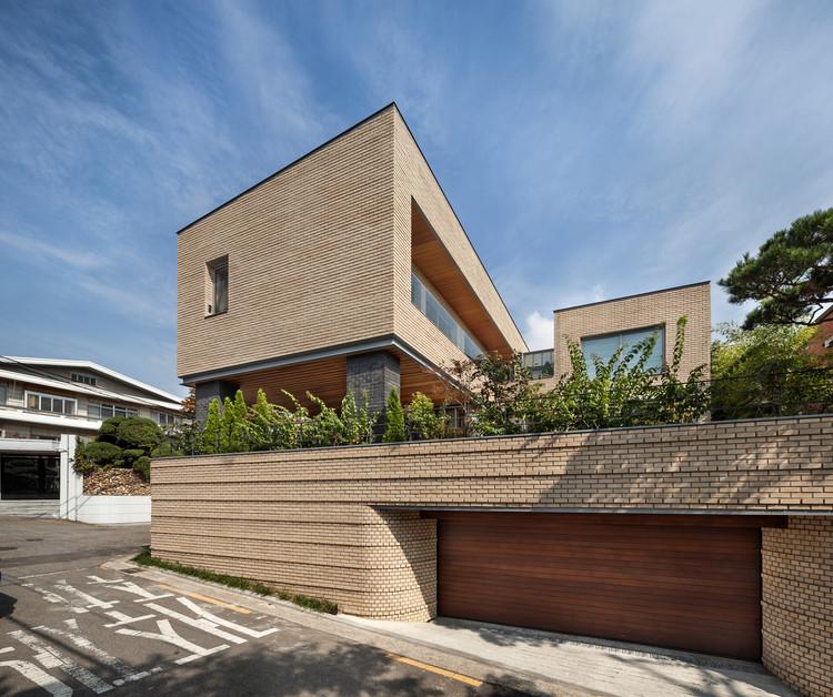 Yeonhui-dong Gangnyeonjae  / Lee.haan.architects, © Joonhwan Yoon