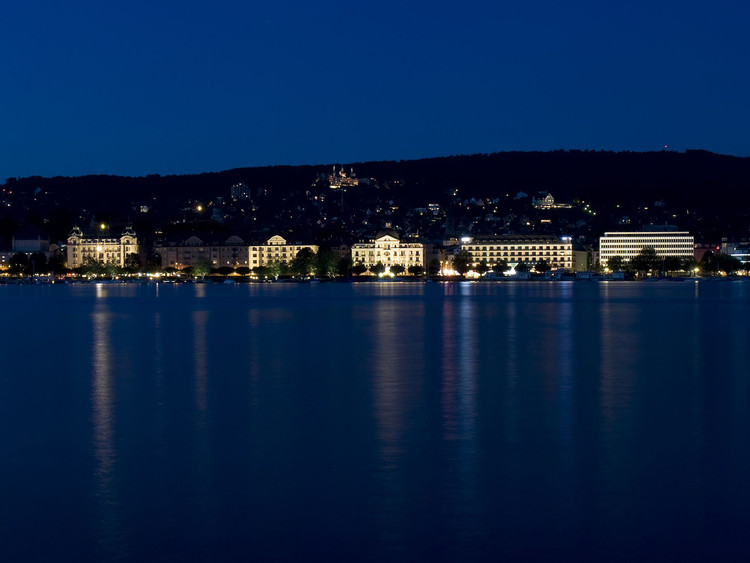 How Zurich's Understated Night Lighting Strategy Enhances Local Identity, Utoquai waterfront illumination, Zürich. Photo by Juliet Haller. Image © Opticalight