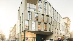 Edificio de oficinas Reale Group  / Iotti + Pavarani Architetti + Artecna