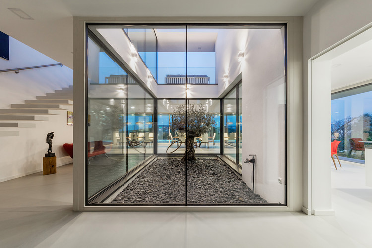 Transparent Solutions Toth Project Architect Office Archdaily