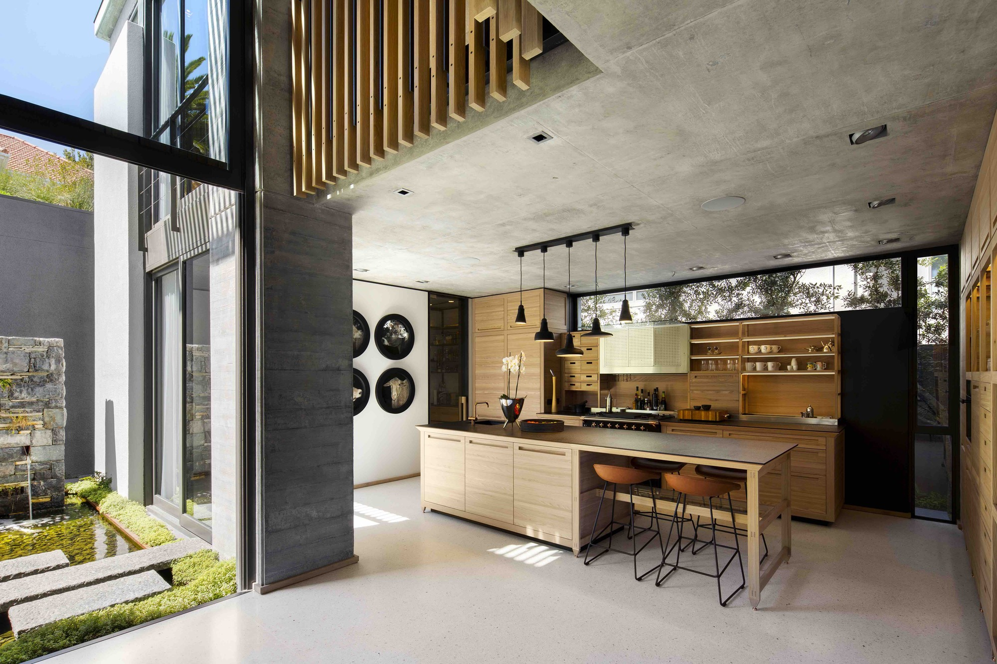 Gallery of Clifton House / Malan Vorster Architecture Interior ...