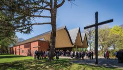 Saint Andrew's College Centennial Chapel / Architectus