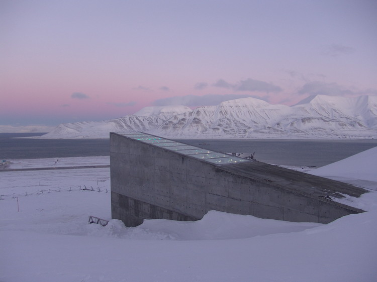 "Svalbard ""Doomsday"" Seed Vault to Receive Multi-Million Dollar Upgrade After Flooding, © <a href='https://www.flickr.com/photos/landbruks-_og_matdepartementet/4186766565/in/photolist-7nYgQr-7ojkQm-7nYgQa-9icKQV-7nYgQe-7ojm6W-7dzWhi-7o2mkY-7ofsjn-7nYgPZ-7o2mm5-pJjmLU-7ojncC-LH6rG8-7ofsdP-9m8eLQ-9ifSvj-7nYgQk-7ojkzU-rwY8QD-7dDQhj-9ifQML-7ofuTn-6VmKEm-9icSrk-UKfHh3-9icRWz-7ofuHt-7ofrYg-fBdM4e-9ifYYG-7ofutX-9icR9V-7u4rZ6-7u8mzu-7u8mvW-7dDPXY-7uErxU-9ifT2b-6VmKEE-9icMiV-9ifS4S-7ojmq9-9icKyt-9ifTp7-7oft6v-7ojmcC-c8Gnrf-9icPDk-LXUNiL'>Flickr user landbruks-_og_matdepartementet</a> licensed under <a href='https://creativecommons.org/licenses/by-nd/2.0/'>CC BY-ND 2.0</a>"