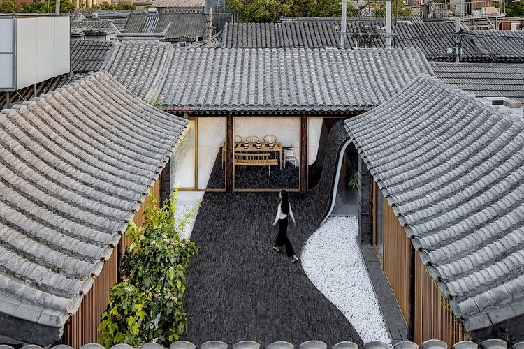 Patio torcido / ARCHSTUDIO, Patio. Imagen © Wang Ning, Jin Weiqi