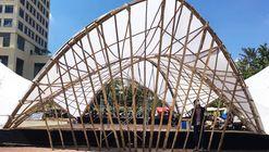 Pavilhão com estrutura hiperbólica evidencia a flexibilidade do bambu