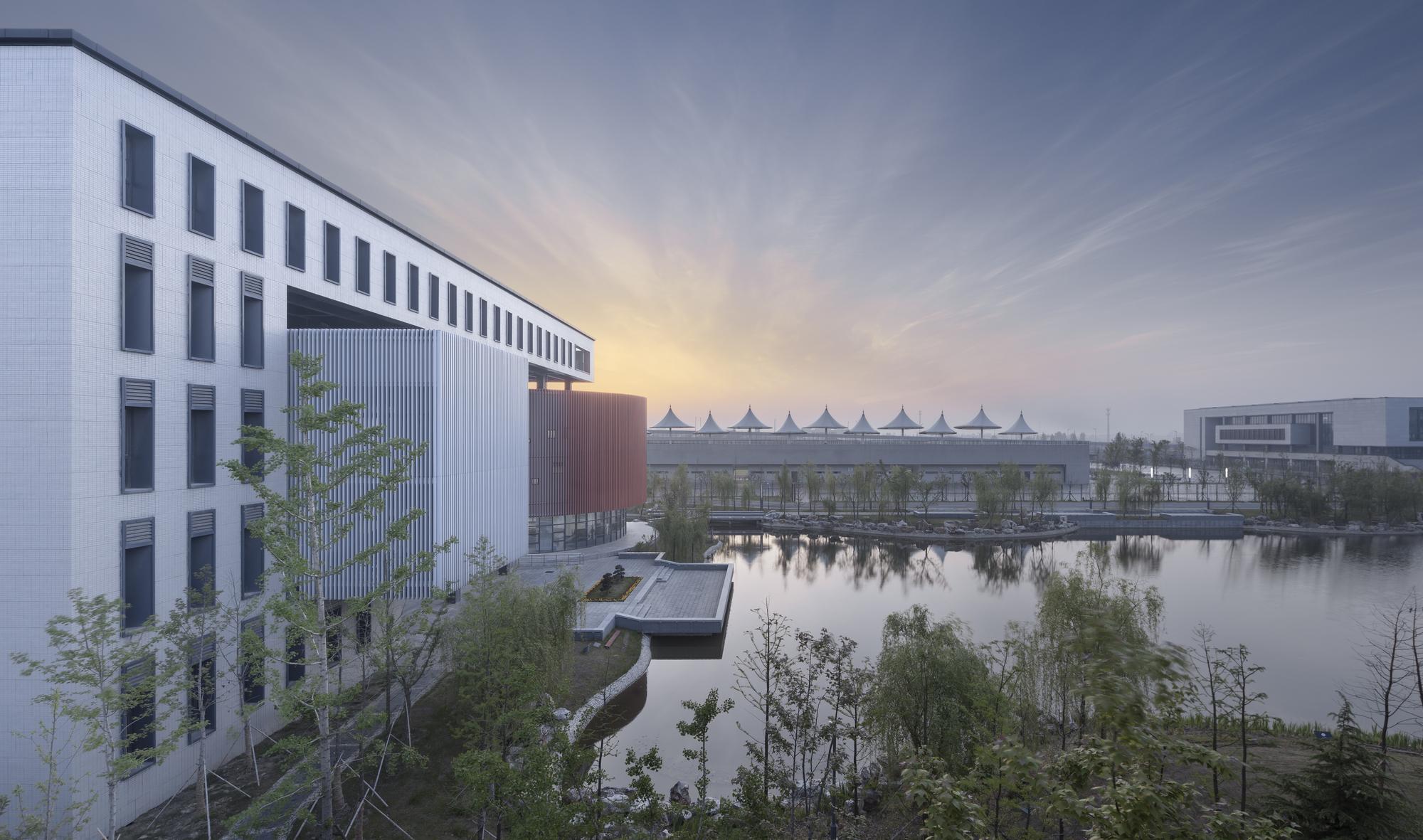 Captivating New Campus Of Taizhou High School / Architectural Design U0026 Research  Institute Of SCUT, ©