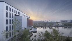 New Campus of Taizhou High School / Architectural Design & Research Institute of SCUT
