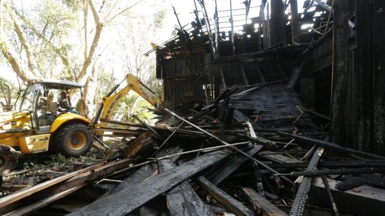Incêndio destrói casa de madeira mais emblemática e Curitiba, © Hugo Harada/Gazeta do Povo
