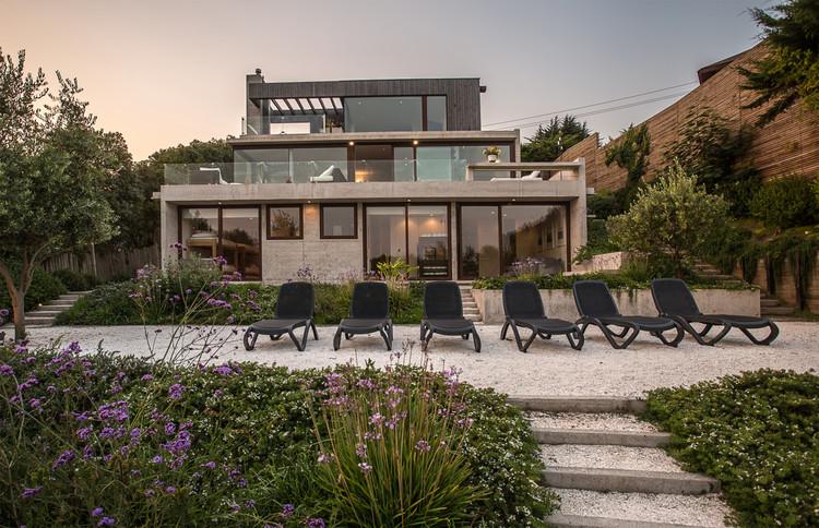 Casa Las Docas / Francisca Vergara Arquitectos, © Alex Otero