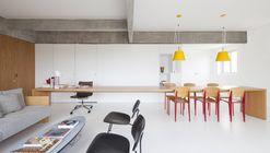 Pantone Apartament / AR Arquitetos