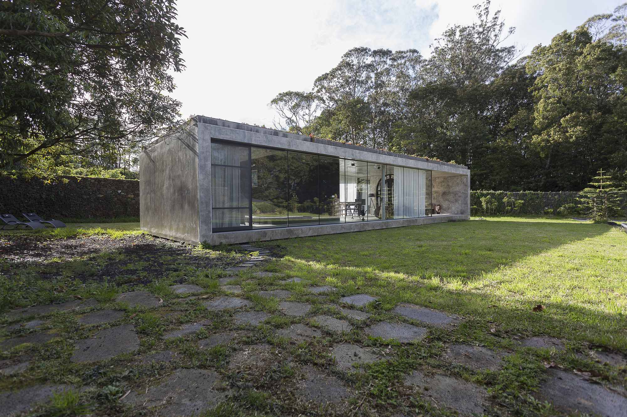 Rosa muerta arco mais archdaily for Houses for small blocks