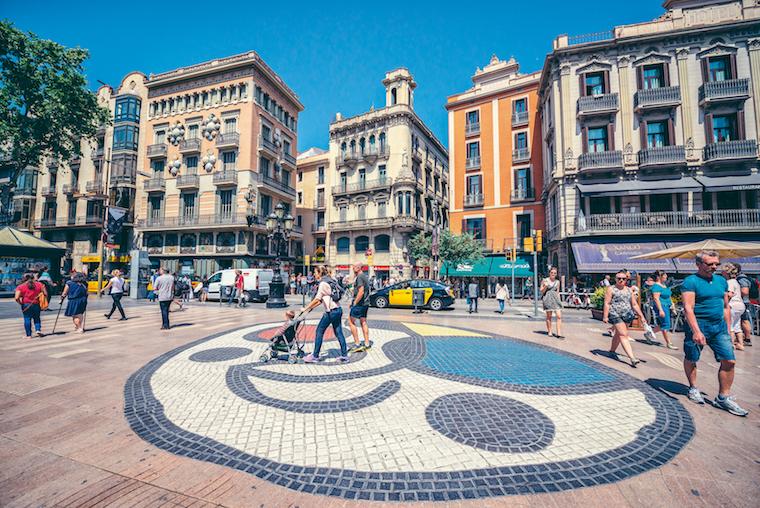 Jan Gehl defende que o planejamento urbano é uma plataforma para as pessoas serem felizes. Foto: ArchDaily.