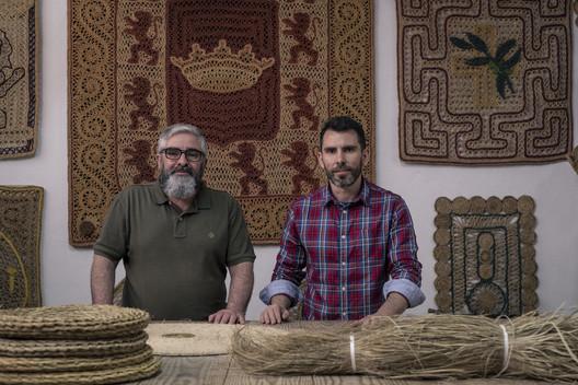 Pedro Antonio y Jesús Blanco Ubalde, fundadores de Ubedíes Artesanía. Image Cortesía de Premios