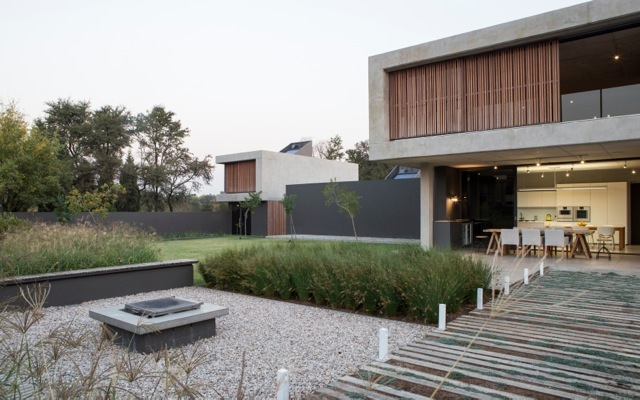 Gallery of house jonker thomas gouws architects 14 - Living in small spaces home minimalist ...