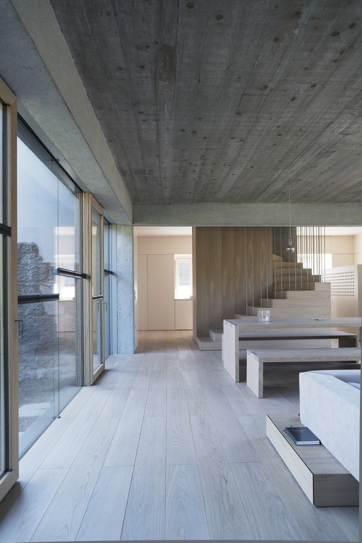 3SHOEBOX House / OFIS Architects | ArchDaily on shoe box living room design, shoe logo design, shoe boxes with a z, cardboard house design, shoe box stage design, shoe box house craft, shoe box house furniture, best friend shoe box design, small house house design, paper box design,