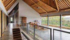 Casablancka Residence / Budi Pradono Architects