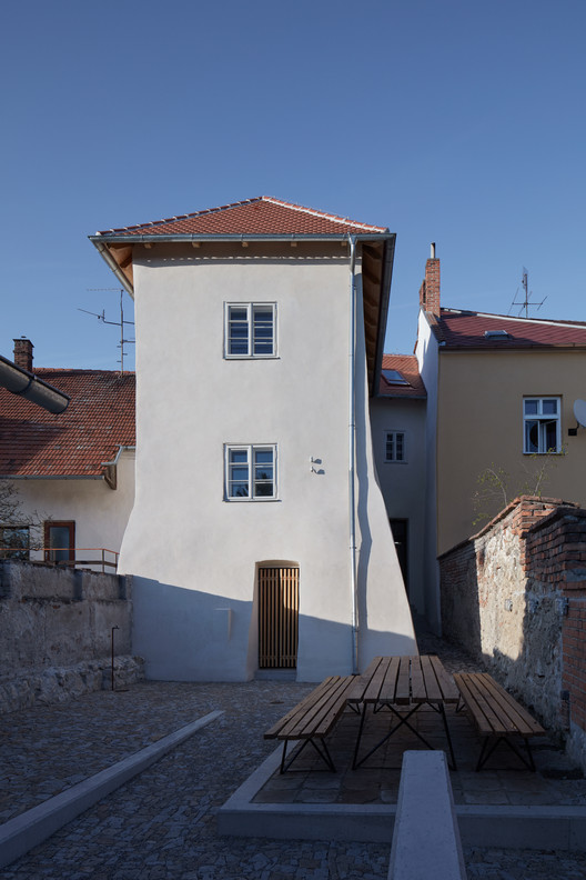 Štajnhaus / ORA, © Martin Tůma, Jakub Skokan / BoysPlayNice