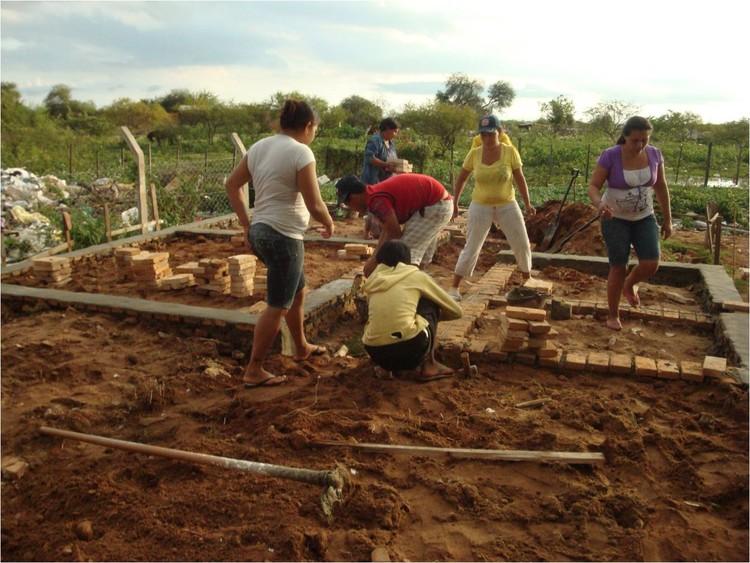 Estos cinco proyectos premiados proponen soluciones para la vivienda social en América Latina , Cobañados, Paraguay. Image Cortesía de Premios Producción Social del Hábitat
