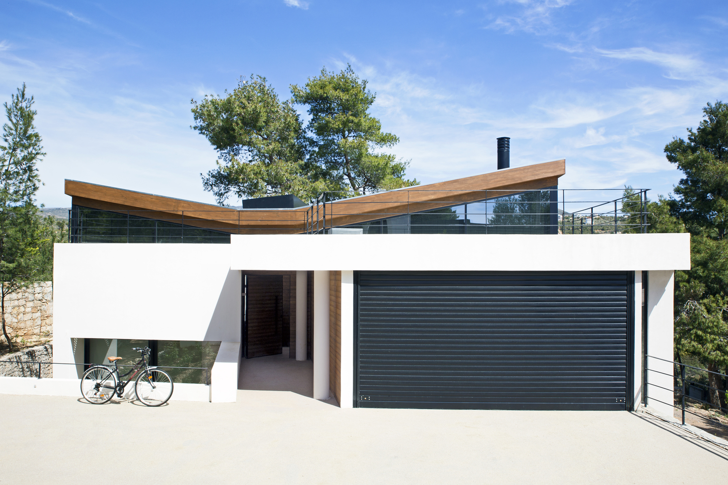 Gallery of The Wedge House / Schema Architecture & Engineering - 7