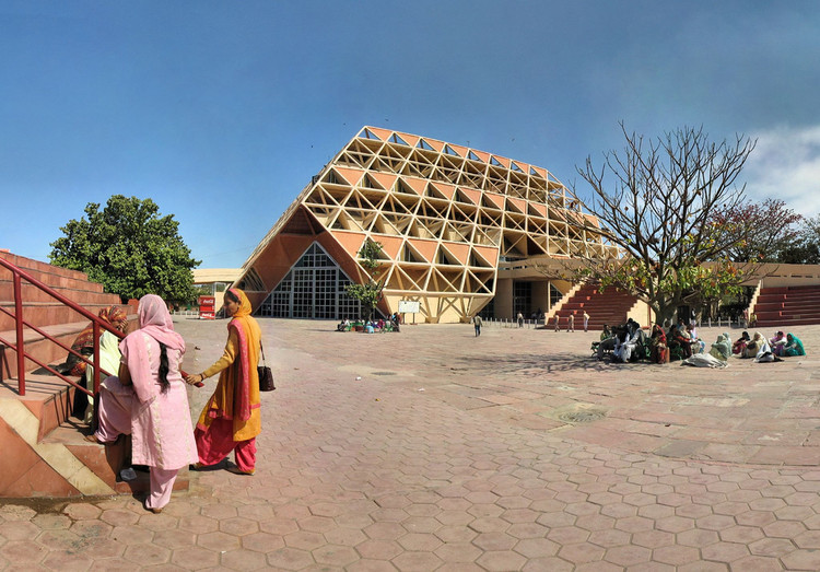 The Demolition of Delhi's Hall of Nations Reveals India's Broken Attitude to Architectural Heritage, © <a href='https://www.flickr.com/photos/33834913@N00/409859817'>Flickr CC user Panoramas</a> licensed under <a href='https://creativecommons.org/licenses/by-nd/2.0/'>CC BY-ND 2.0</a>