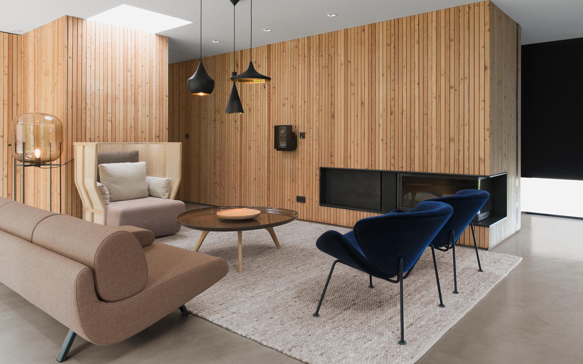 gallery of la maison etir e barres coquet 5. Black Bedroom Furniture Sets. Home Design Ideas