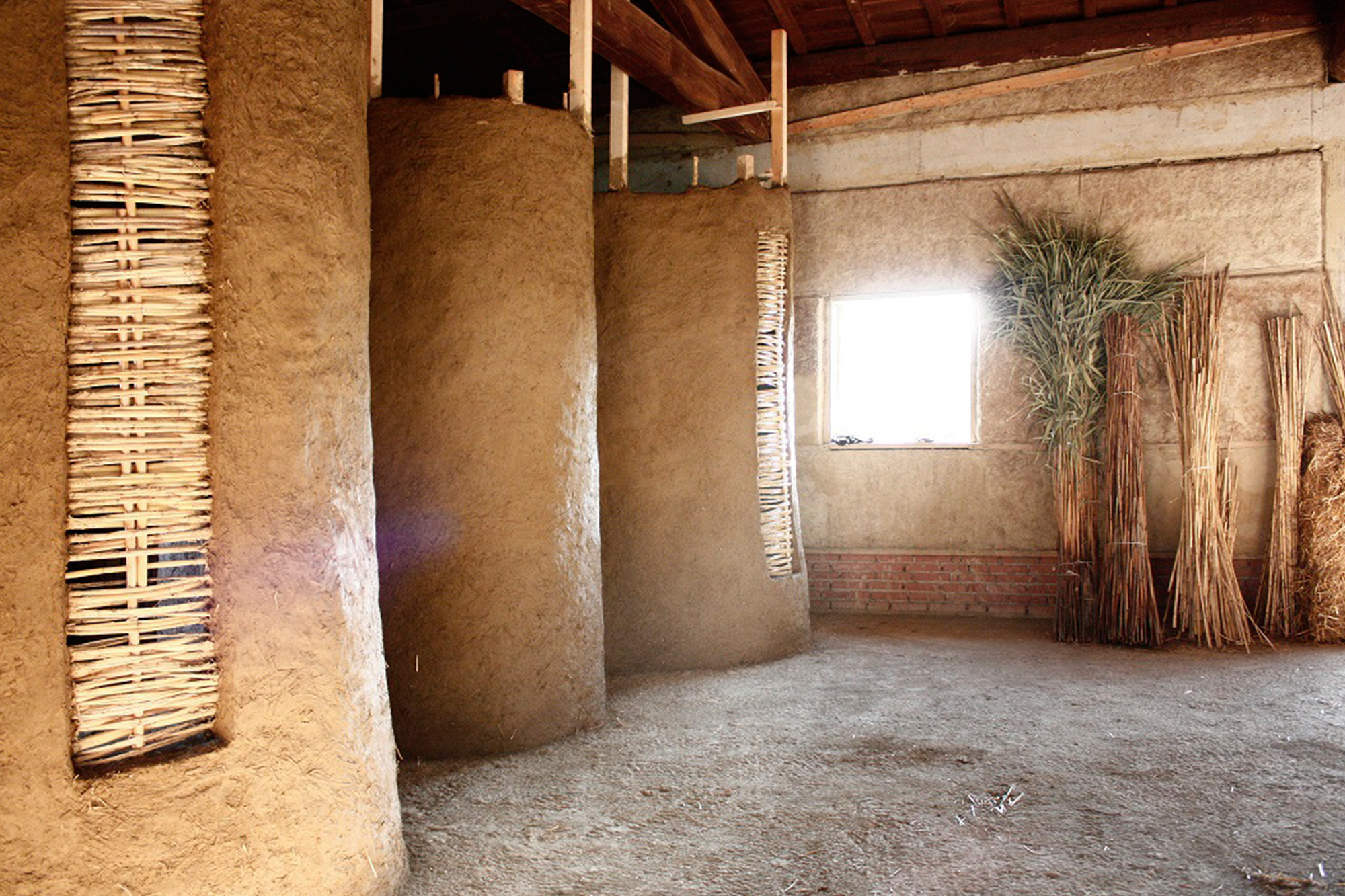 Workshop In Italy Constructs Rammed Earth Structures To